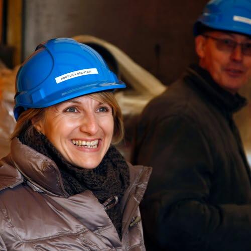 Angelica Szentesi, Customer support
