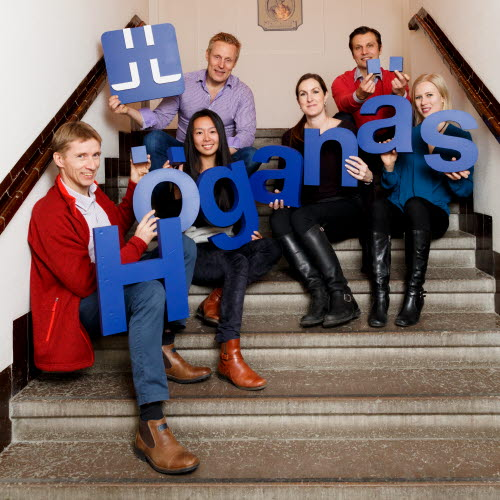 Höganäs co-workers holding letters forming the word Höganäs