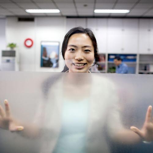 Fiona Lu, Customer support