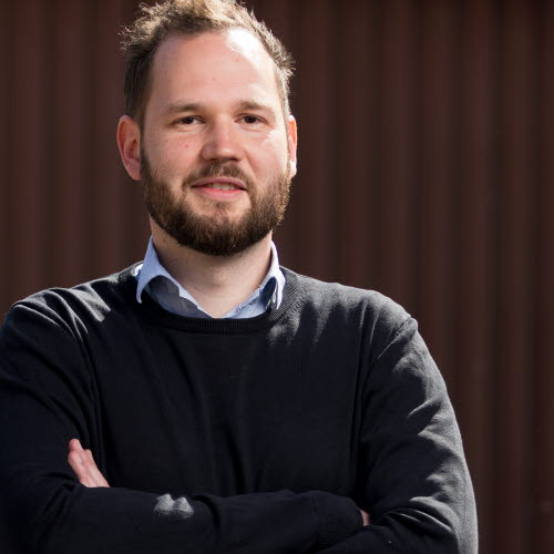 Simon Larsen,购买者