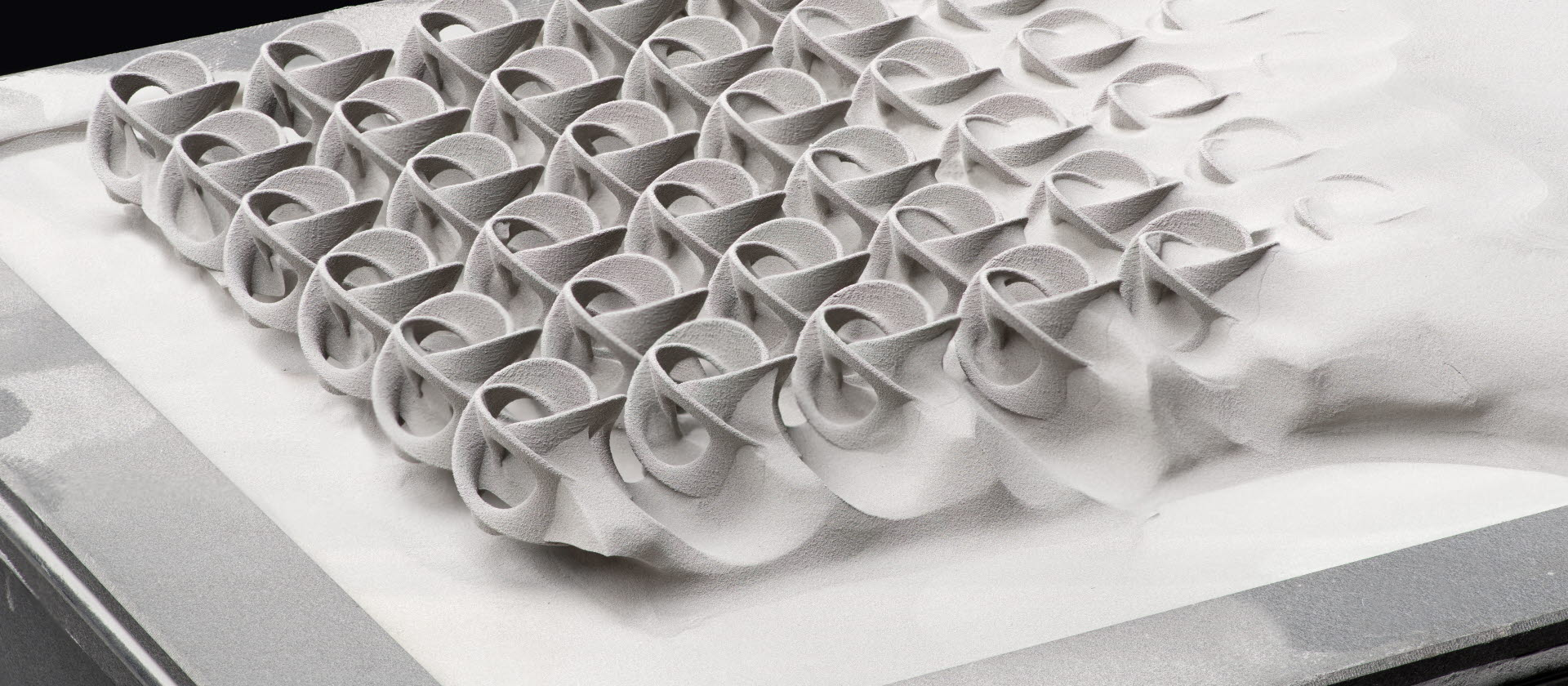 Additive manufacturing powders